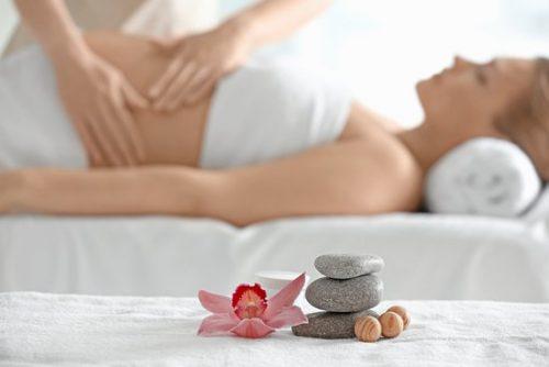 Massaggio In e Post- Gravidanza con olio di Mandorle dolci e l'Oro Colloidale